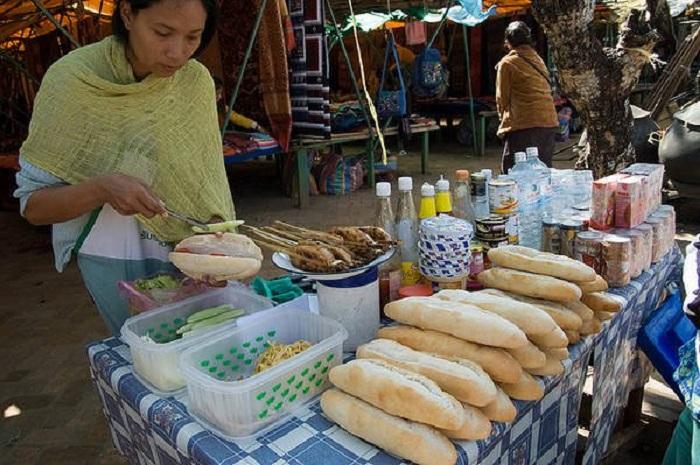 Ẩm thực đường phố của Lào