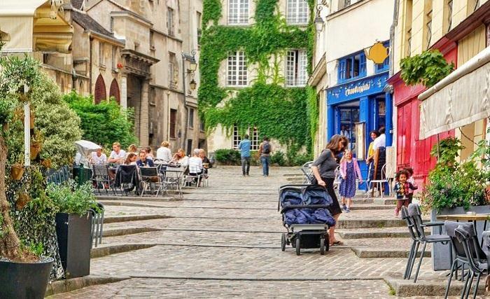 Rue DesBarres