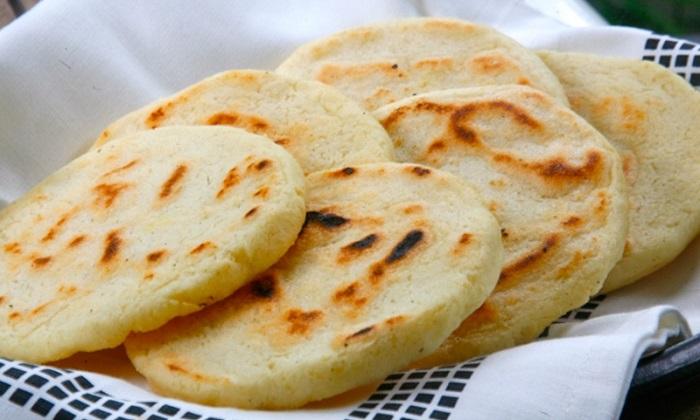Bánh ngô Arepas