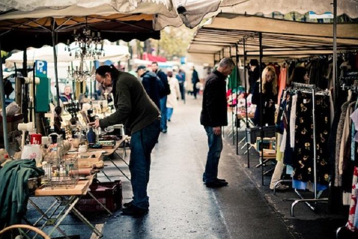 Mua sắm ở những chợ giá rẻ là một cách du lịch tiết kiệm ở Pháp hiệu quả