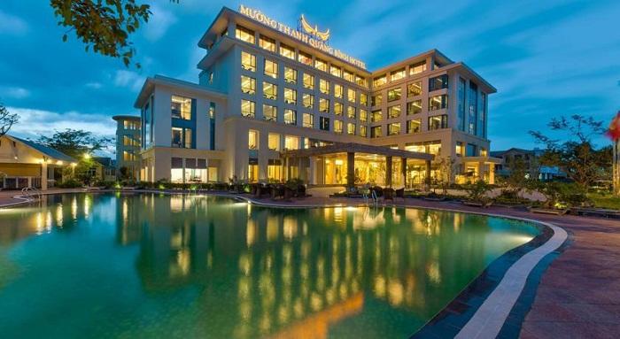 khách sạn gần biển Nhật Lệ