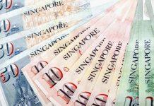 Đổi tiền ở Singapore