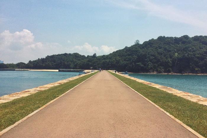 Cầu nối giữa hai nơi khi đến Lazarus. kinh nghiệm du lịch đảo Lazarus