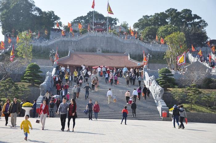 những ngôi chùa nổi tiếng nhất tại Quảng Ninh