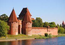 những tòa lâu đài đẹp nhất tại Ba Lan