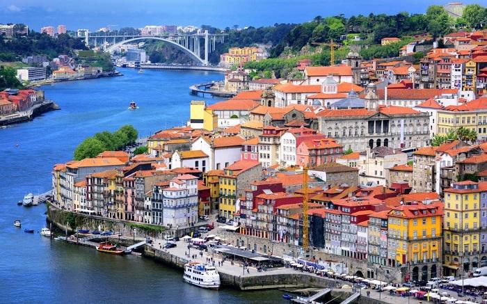 Kinh nghiệm du lịch Porto – thành phố cảng xinh đẹp của Bồ Đào Nha