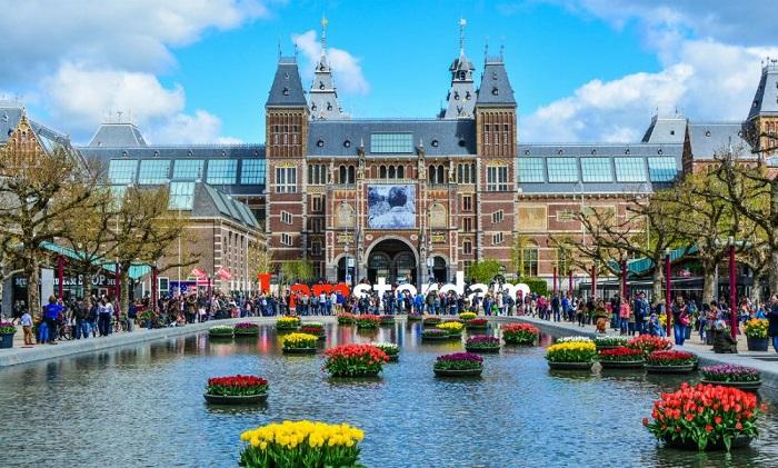Những địa điểm du lịch nổi tiếng tại Amsterdam – thủ đô của Hà Lan