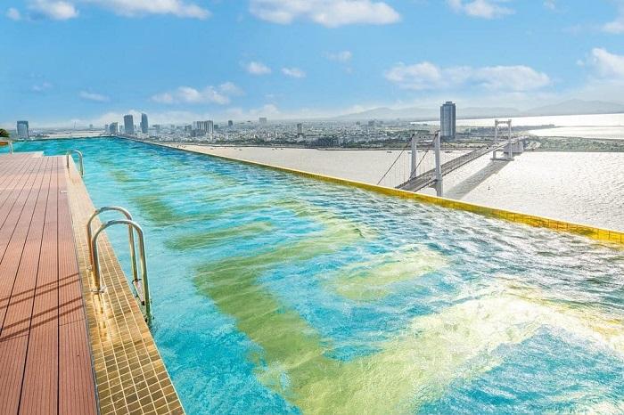 Top những khách sạn có bể bơi vô cực tại Đà Nẵng mà bạn có thể tham khảo