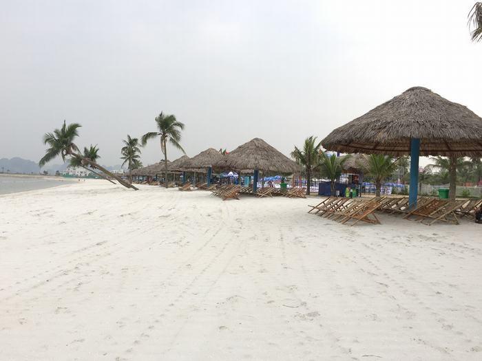 Bãi biển Bãi Cháy