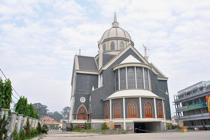 Phu Cuong Cathedral