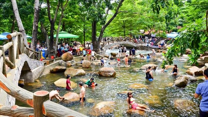 những địa điểm vui chơi 2/9 gần Sài Gòn