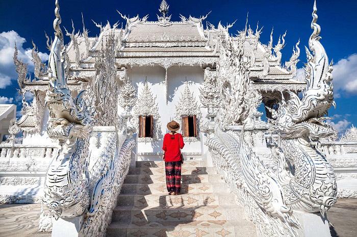 Nên mặc đồ kín đáo khi ghé thăm các ngôi chùa