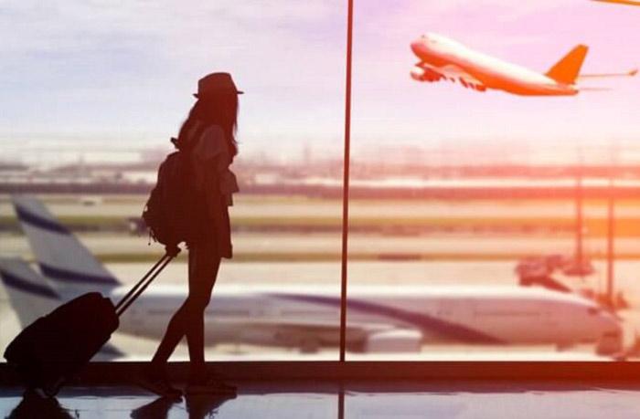 Bạn có thể đến Thái Lan bằng máy bay hoặc xe buýt