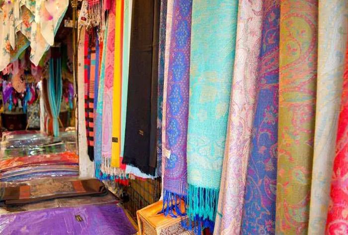 Các sản phẩm từ lụa tơ tằm ở Thái Lan