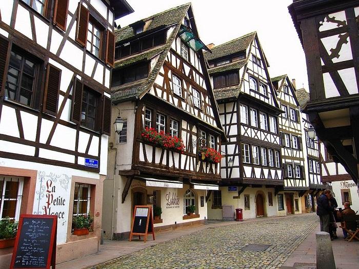 Khu phố cổ La Petite France