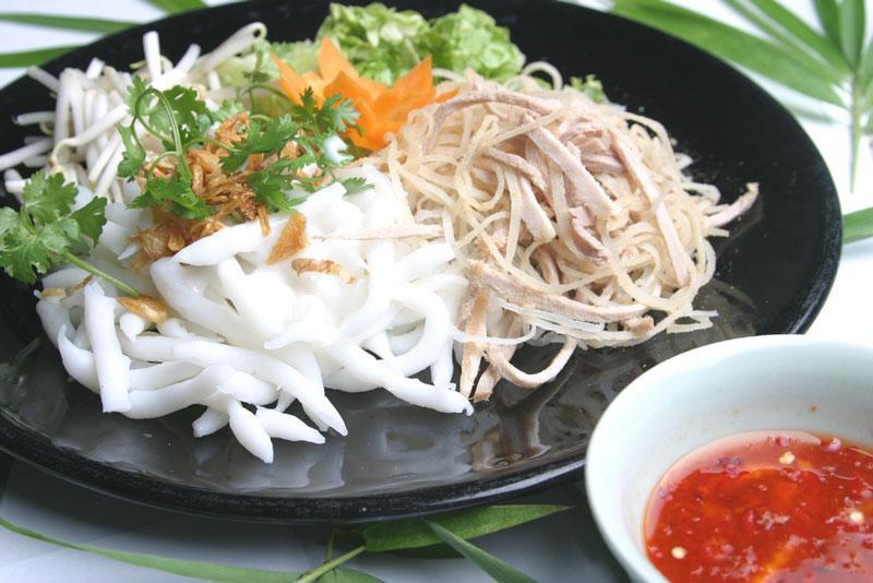 Bánh tằm ngan dừa đặc sản của Bạc Liêu