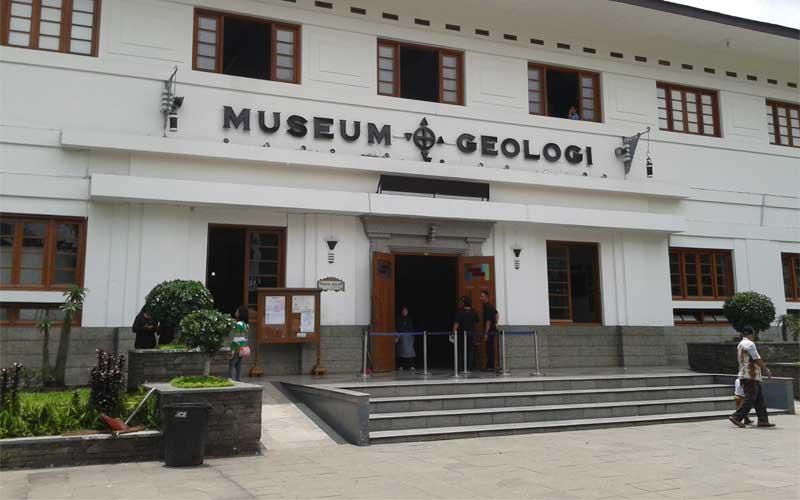 Bảo tàng địa chất Bandung