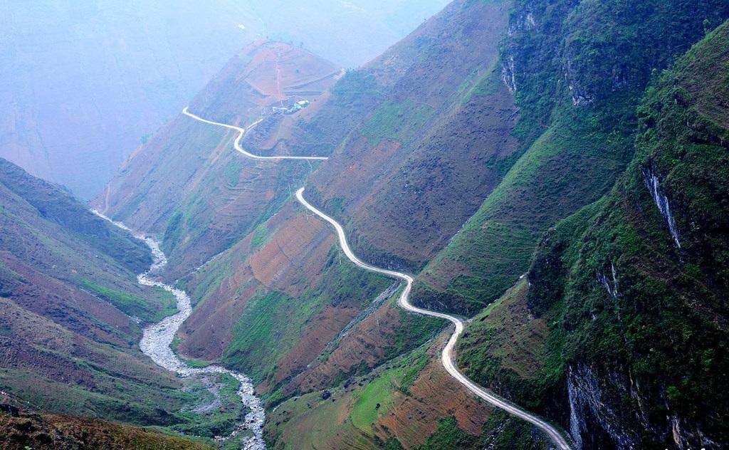 La beauté majestueuse du col de Ma Pi Leng
