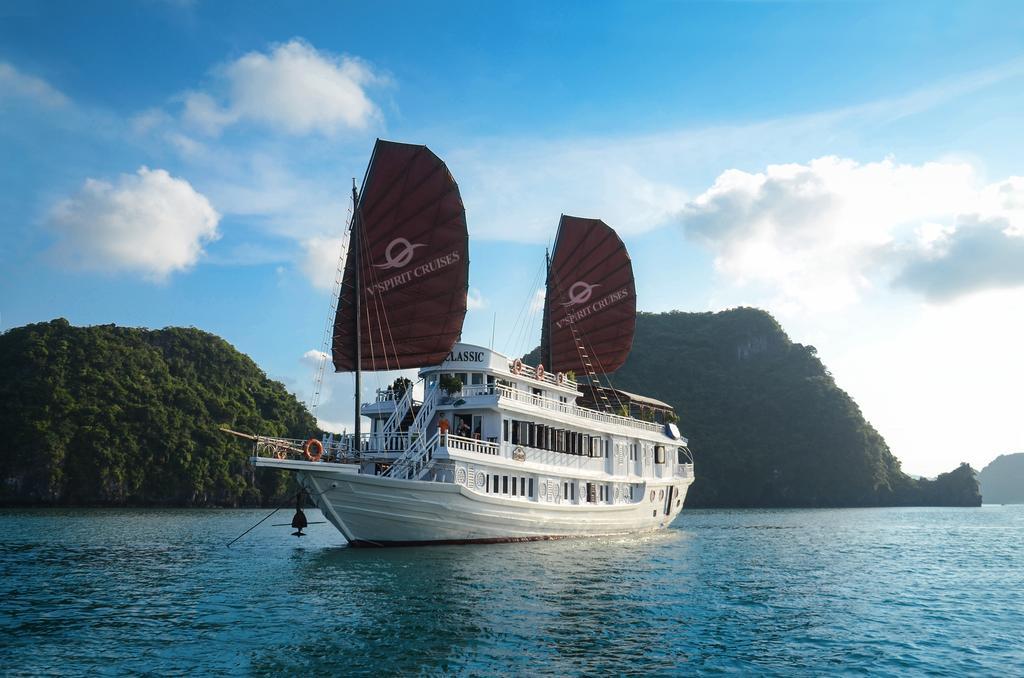 Du thuyền Hạ Long V'spirit Cruise