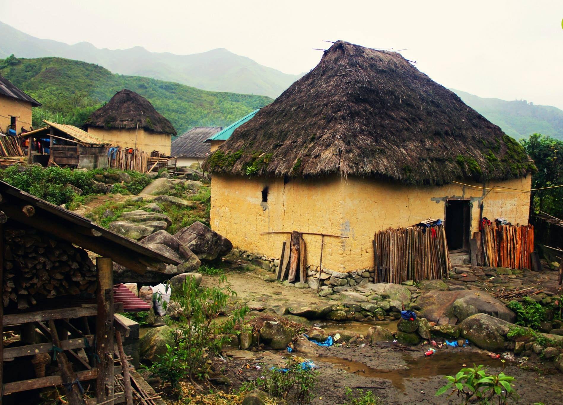 Những căn nhà độc đáo tại thôn Lao Chải. Ảnh: pinterest.com