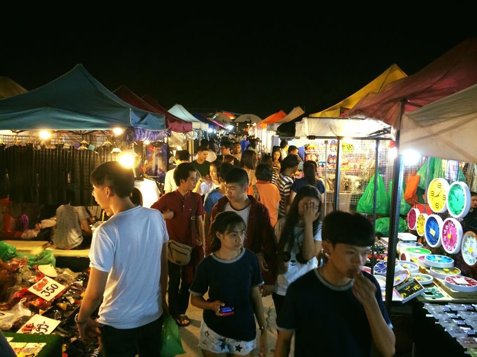 Chợ đêm On Nut
