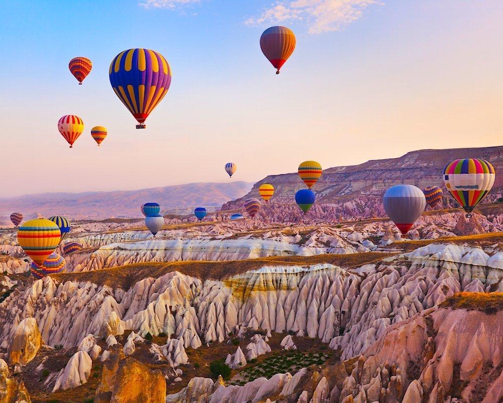 Cappadocia được xem là điểm bay khinh khí cầu tuyệt vời nhất thế giới
