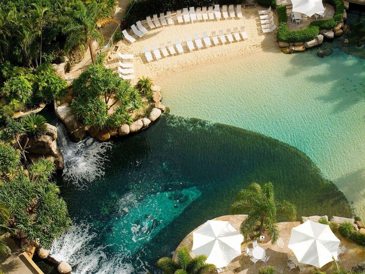 Vùng ngoại ô Surfers Paradise có rất nhiều resort cao cấp