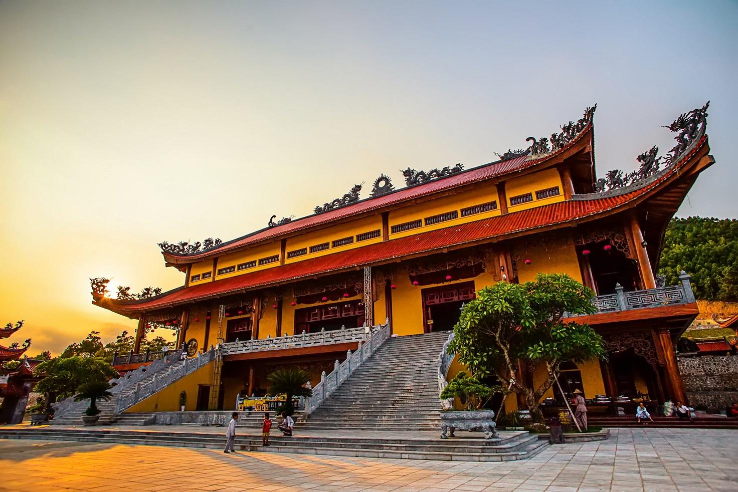 Chùa Ba Vàng có phong cách kiến trúc đặc trưng của đình chùa Việt Nam
