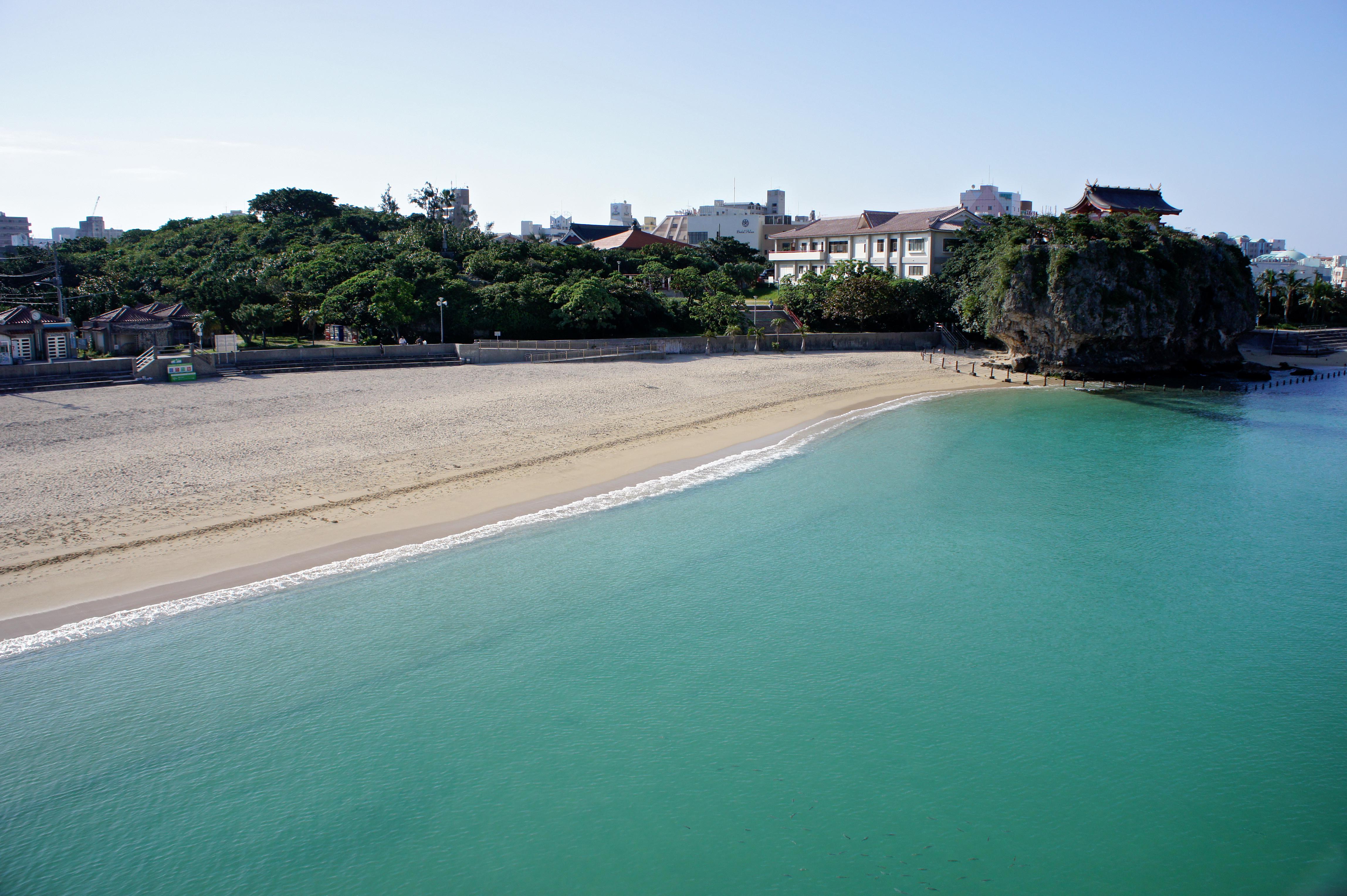 Bãi biển Naminoue tuyệt đẹp tại Naha