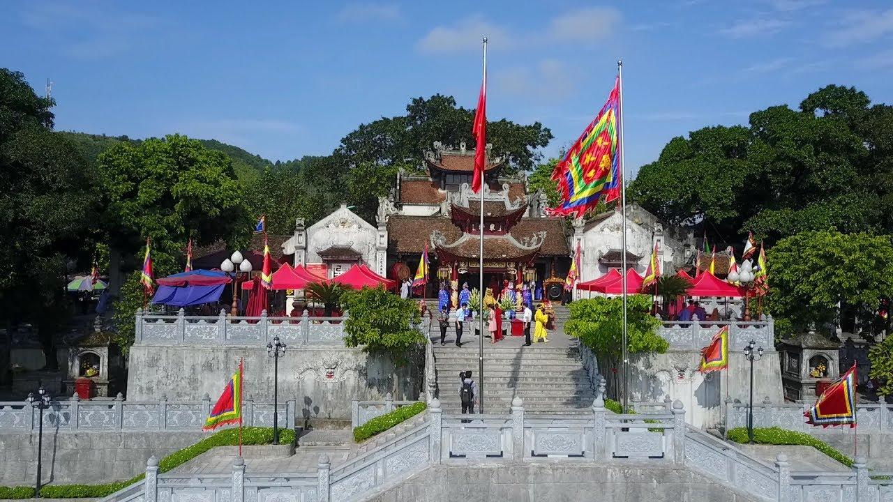 nhung ngoi chua noi tieng nhat tai Quang Ninh